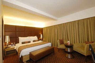 Ahmedabad pride hotel, room
