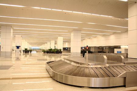 Baggage reclaim, new delhi terminal 3