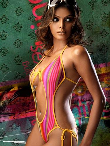 Hot bollywood actress, Sherlyn Chopra