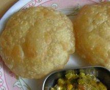 Pani puri, delhi street food, eating out in delhi