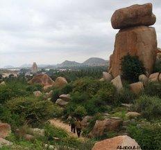Hampi boulders, Big boulder, Hampi