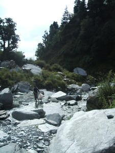 India Travel Blog, Litter picking in the river