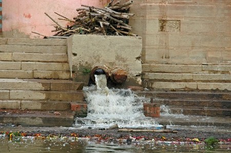 Sewage in the ganges, ganges river pollution