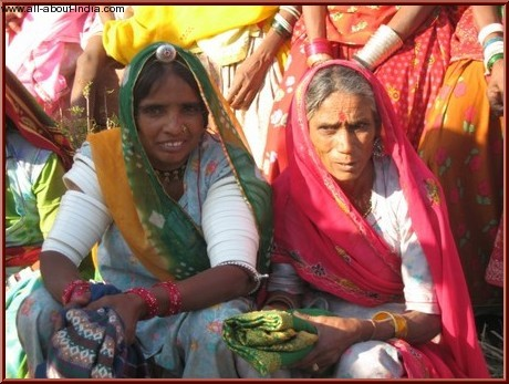 People of India, women in saris