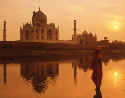 The Taja mahal sunset, behind the Taj Mahal